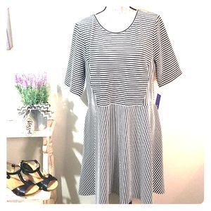 XL stretchy 3/4 sleeve stripe fit flare dress nwt